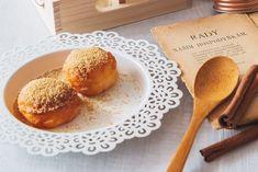 Recepty tradiční české kuchyně se ke slovu dostávají vždy na podzim. Znáte bác, klevelu nebo lokše? Recepty na 5 staročeských pochoutek jsme pro vás připravili na blogu.