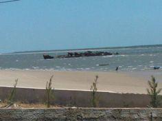 o navio em frente a pousada jagatá.