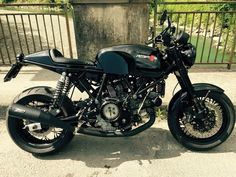 Black Gt Ducati 1000, Moto Ducati, Ducati Sport Classic 1000, Custom Street Bikes, Custom Bikes, Cafe Racer Motorcycle, Cool Cafe, Bike Design, Cool Bikes