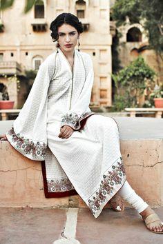 Desi South Asian clothing by Faraz Manan. Pakistani Couture, Pakistani Dresses, Indian Dresses, Pakistani Suits, Indian Bridal Fashion, Indian Bridal Wear, Traditional Fashion, Traditional Dresses, Indian Look