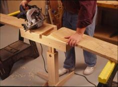 """79 - Rough Lumber Cut-off Stand - This plan originally appeared in Popular Woodworking Magazine. It was used without attribution in Woodworking Projects"""" Jet Woodworking Tools, Woodworking Magazine, Woodworking Workshop, Popular Woodworking, Woodworking Projects, Dremel Projects, Wood Projects, Cierra Circular, Tools And Toys"""