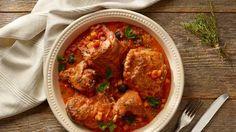 Dušený králík na červeném víné s rajčaty a olivami Ale, Curry, Cooking, Ethnic Recipes, Rabbit, Food, Kitchen, Bunny, Curries