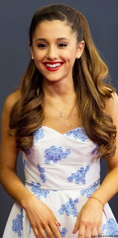 ♡ ♡ Arianna grande -- love her dress and hair!!!!!!!!!!!!