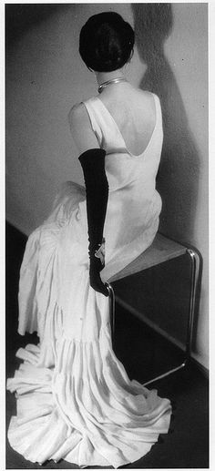 1930 Elegant Lady - Photo by Grete Ringl Stern and Ellen Pit Auerbach