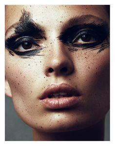 carola-remer-by-benjamin-vnuk-for-narcisse-magazine-1-fall-winter-2013-2014-4.jpg (1010×1291)