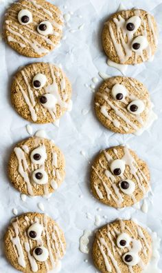 These delicious vegan spiced butternut squash sugar cookies are the perfect dessert for fall. #vegan #glutenfree #butternut #squash #cookies #halloween Healthy Sugar Cookies, Sugar Cookies Recipe, Gluten Free Cookies, Vegan Sugar, Halloween Snacks, Healthy Halloween Treats, Halloween Party, Halloween Ideas, Halloween Tisch