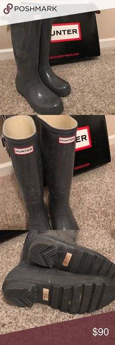 Almost new Size 10 hunter boots tall gloss Worn once but my calfs are a little pudgy so it didn't work out. Comes with box and all. No defects. Needs wiped down but would look brand new! Hunter Boots Shoes Winter & Rain Boots