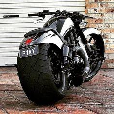 Vrod Harley, Harley Bikes, Harley Davidson Bikes, Bobber Motorcycle, Moto Bike, Cool Motorcycles, Custom Street Bikes, Custom Bikes, Cb 600 Hornet
