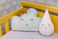 O bebê ANTÔNIO dorme nas nuvens, em seu quarto de 9m2 que esbanja charme e conforto. Tudo planejado pela arquiteta CRISTIANE PASSOS.