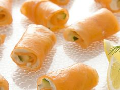 smoked salmon rolls Best of iVillage: Party Appetizers Smoked Salmon Rolls These easy party appetizers can be served with drinks or as a first course alongside a salad. Get the recipe for Smoked Salmon Rolls Best Thanksgiving Appetizers, Appetizers For Party, Appetizer Recipes, Elegant Appetizers, Hosting Thanksgiving, Dinner Parties, Thanksgiving Turkey, Fish Recipes, Seafood Recipes