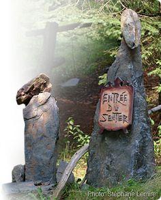 Quel accueil! Sculpture de Roger Nadeau Sentiers poétiques St-Venant-de-Paquette