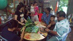 #AIAVan showing #AIAHannahMei how to cut veggies in #AICambodia