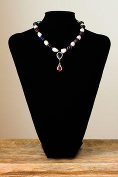 Collar de perlas y cristal de Murano con colgante de circonitas y plata. Cierre de plata.