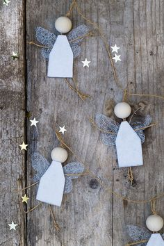Awesome DIY Christmas Decorations on a Budget – Christmas Village Display Christmas Angel Crafts, Pop Up Christmas Cards, Wooden Christmas Crafts, Christmas Bathroom Decor, Christmas On A Budget, Christmas Angels, Christmas Art, Simple Christmas, Christmas Tree Ornaments