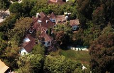 Goldie Hawn Pacific Palisades)  The layout of this house seems confusing, but kind of cool.  LIke it would be an adventure on the inside.