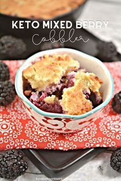 This mixed berry keto cobbler from Butter Together Kitchen is a simple dessert that everyone will love! It's low carb, grain-free, and sugar-free! And, it's pretty quick to make for a tasty healthy dessert! #keto #ketodessert #ketodiet #cobbler #lowcarb #grainfree #sugarfree #healthyrecipes Keto Dessert Easy, Simple Dessert, Easy Desserts, Dessert Recipes, Keto Desserts, Mixed Berry Cobbler, Low Carb Cupcakes, Mixed Berries, Mint Chocolate