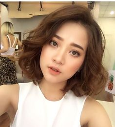 Korean Hairstyle 2020 Korean Hairstyles C Shaped that You Can Try Right now Of 96 Awesome Korean Hairstyle 2020 How To Curl Short Hair, Short Hair Cuts, Short Wavy, Trendy Hairstyles, Korean Hairstyles, Korean Short Hairstyle, Short Hair Korean Style, Korean Hair Color, Korean Haircut