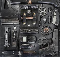 Edc Tactical, Tactical Survival, Survival Tools, Survival Hacks, Krav Maga, Outdoor Survival Gear, Edc Everyday Carry, Edc Carry, Tac Gear