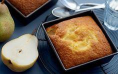 Cake with pear Greek Sweets, Greek Desserts, Greek Recipes, Fruit Recipes, Recipies, English Food, English Recipes, Greek Cooking, Greek Dishes