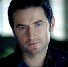RICHARD ARMITAGE: Gorgeous Blue Eyes