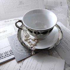Pearl necklace, faux pearl earrings, wedding necklace, brides necklace, pearl and crystal necklace, costume jewellery, wedding jewellery.