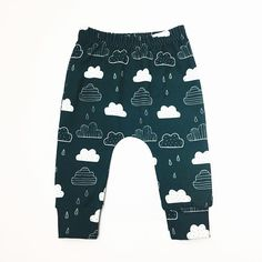"""WINTER SALE ENDS TONIGHT!! Last chance to grab a pair of these fabulous cloud leggings with 20% off in our winter sale using code """"WINTER16"""" - full restock including new fabrics coming soon!!! 😘😘 . . . . #sweetpetitekids #babyleggings #babyfashion #girlsfashion #girlsleggings #toddlerfashion #kidsfashion #childrensfashion #babiesofinstagram #toddlersofinstagram #kidsofinstagram #toddleradventures #mumsofinstagram #dadsofinstagram #mummyblogger #mummybloggers #pblogger #pbloggers #etsy…"""
