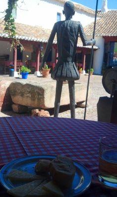 Delicioso queso manchego en compañia del Ingenioso Hidalgo Don Quijote de la Mancha