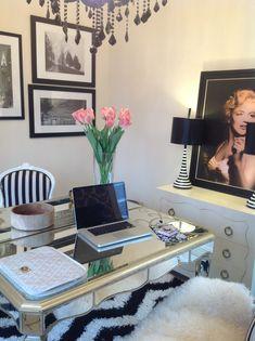 black & white glam. Marilyn, stripes, white fur, mirrored furniture, lamps, black crystal chandelier . . . Ahhh love!!