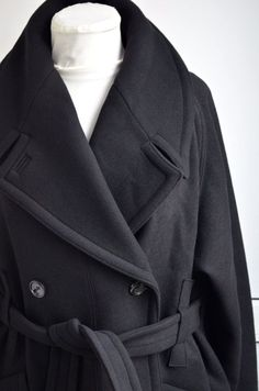 Runway H&M Studio Collection AW 2016 Black Coat Wool Jacket Long Belt Oversized #HMSTUDIO #BasicCoat #Casual