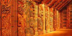 Interior of Maori meeting house (Marae) in Auckland Museum. Society Islands, New Zealand Houses, Maori Designs, Pitcairn Islands, Maori Art, Easter Island, Solomon Islands, Ocean Art, Cook Islands
