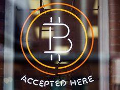 W 2014 roku jedną z najgorszych możliwych decyzji finansowych było zainwestowanie w bitcoina, który stracił aż 58 proc. swojej wartości. Wirtualna waluta wypadła gorzej niż pikujący rosyjski rubel, ta...