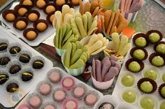 Praliné Paradicsom: Csokoládé színezése természetesen Mousse, Chocolate Diy, Lollipop Candy, Macaron, Food And Drink, Cheese, Homemade, Candy, Home Made