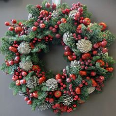 Christmas Pops, Christmas Flowers, Christmas Candles, Christmas Time, Christmas Tablescapes, Christmas Table Decorations, Holiday Decor, Advent Wreath, Xmas Wreaths