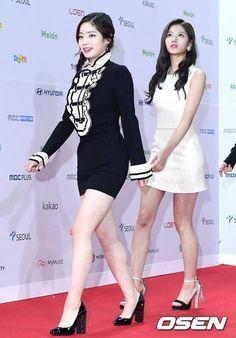 #twice #once #Redcarpet #fashion #melonmusicawards #2k17 #koreanidol #koreanfashion  #danielandsuzy Music Awards 2017, Peplum Dress, Red Carpet, Dresses, Fashion, Gowns, Moda, La Mode, Peplum Dresses