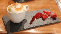 Foto: Espen Hobbesland / NRK Mousse, Panna Cotta, Pudding, Ethnic Recipes, Desserts, Food, Pastry Chef, Tailgate Desserts, Dulce De Leche