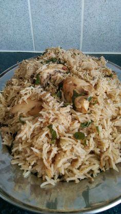 Fabulous Food :): Chicken pilau rice – World Food Veg Recipes, Indian Food Recipes, Chicken Recipes, Cooking Recipes, Easy Cooking, Ethnic Recipes, Dishes Recipes, Chicken Pulao Recipe, Biryani Recipe
