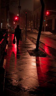 misty night red - Nighttime walk down empty city streets. The best. Night Photography, Street Photography, Art Photography, Photography Basics, Aerial Photography, Landscape Photography, Misty Night, Rainy Night, Plafond Design