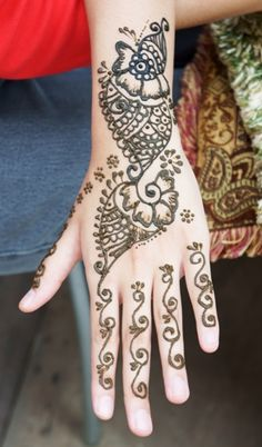 30 Simple And Easy Mehndi Designs For all Occasions With Photos #MehndiDesigns #Mehndi