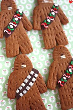Diamonds for Dessert: Chewie Gingerbreadwookiees Star Wars Christmas, Christmas Cookies, Christmas Foods, Gingerbread Man Decorations, Gingerbread Houses, Holiday Treats, Holiday Recipes, Weird Food, Crazy Food