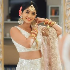 naira indian outfits in yrkkh * yrkkh outfits naira ` naira outfits in yrkkh ` naira indian outfits in yrkkh ` naira outfits yrkkh latest Dress Indian Style, Indian Dresses, Indian Outfits, Stylish Girls Photos, Stylish Girl Pic, Beautiful Gowns, Beautiful Outfits, Shivangi Joshi Instagram, Indian Designer Outfits