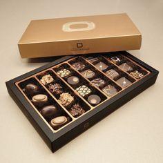 Bonboniera  Gold 300g handmade with dark and milk chocolate pralines