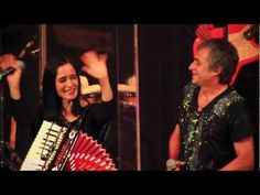 Los autenticos & Julieta Venegas - No me importa el dinero / Linda canción.