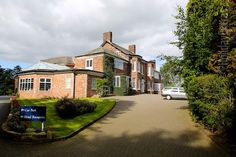 The Stanneylands hotel at Manchester airport is an elegant country house set in the county of Cheshire