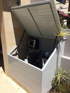 Filter Pump Enclosures will help you restore a little order to your outdoor area with a custom-made pool pump enclosure. We tailor manufacture to your specific needs. Backyard Pool Designs, Small Backyard Pools, Swimming Pools Backyard, Pool Equipment Enclosure, Pool Equipment Cover, Pool Gazebo, Pool Shed, Pool Paving, Pool Landscaping