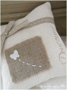 Coussin papillon Plus Small Cushions, Scatter Cushions, Pin Cushions, Scented Sachets, Lavender Sachets, Burlap Pillows, Decorative Pillows, Pillow Crafts, Cottage Crafts