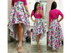 Táto farebná asymetrická suknička si krásne drží áčkový tvar vďaka spodničke, na ktorej je našitý tyl. Kombinácia netradičného asymetrického strihu aromantických kvetín sa postará ounikátny kúsok vo Vašom šatníku. Pás na sukni nie je elastický, vzadu sa zapína zipsom. Tyl, High Low, Floral, Skirts, Dresses, Fashion, Vestidos, Moda, Skirt