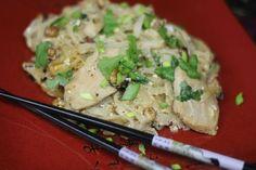 Jak przygotować kurczaka w tajskim stylu? Przepis Video Pad Thai z Kurczakiem. Smakowało? Nie zapomnij skomentować:)