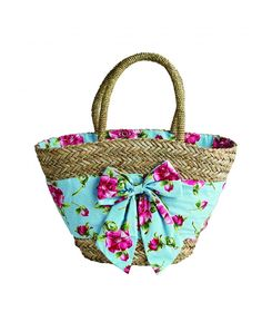 From lunch totes and cosmetics bags to our seagrass market bag all featuring both classic and seasonal Jessie Steele prints. Diy Bag Crafts, Beach Basket, Diy Tote Bag, Straw Handbags, Insulated Lunch Bags, Boho Bags, Creation Couture, Barbie Accessories, Basket Bag