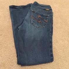 Silver Jeans Suki Boot Cut 28 x 30 Silver Jeans Suki Boot Cut 28 x 30 , nice used condition! Silver Jeans Jeans Boot Cut