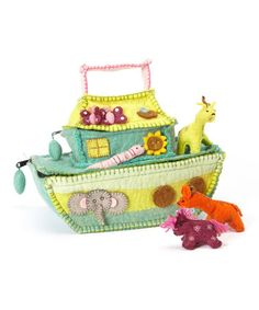 Felted Noah's Ark Bag Set by Én Gry & Sif  on Zulily.  Inspiration for a sewing project for kids too.